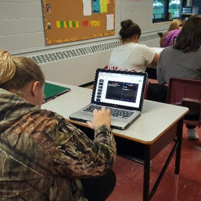 """10th Grade Language Arts II """"Using technology with reading"""""""