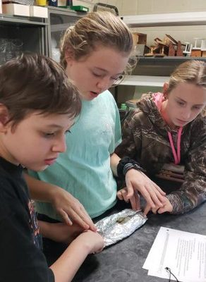 8th Grade Science Students Model the Rock Cycle