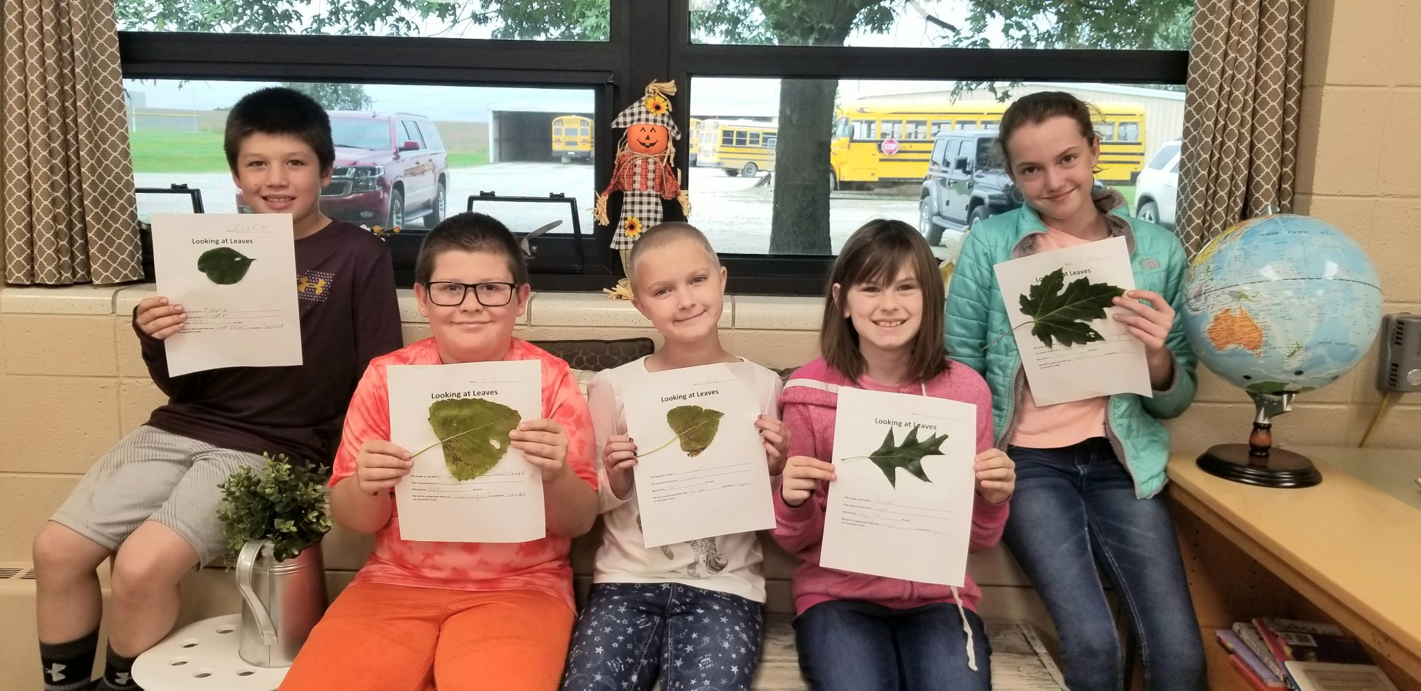 4th Grade Learns About Leaves