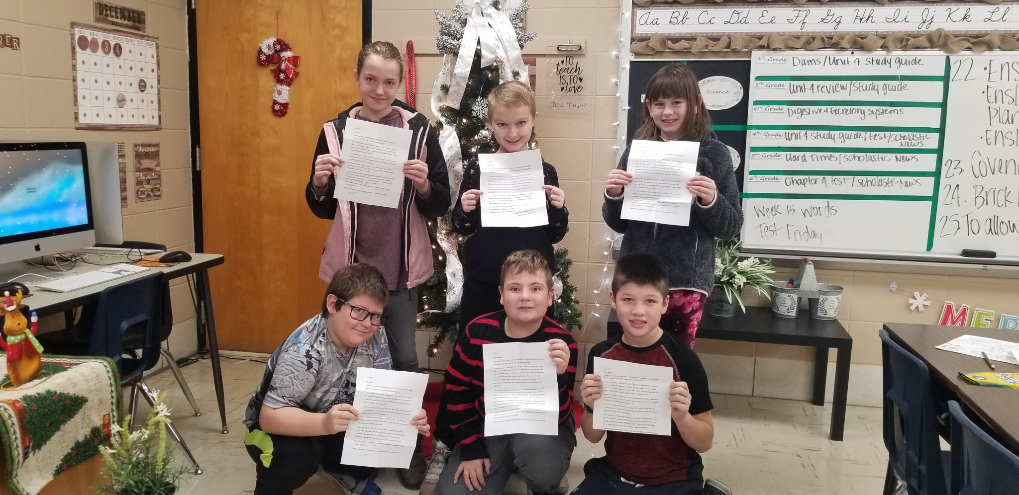 4th Grade Students Receive Letters from KHS Graduate PVT Sanders