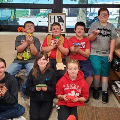 5th grade science class creates rafts using the design process