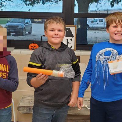 4th Grade Science Class Creates Astronaut Tool